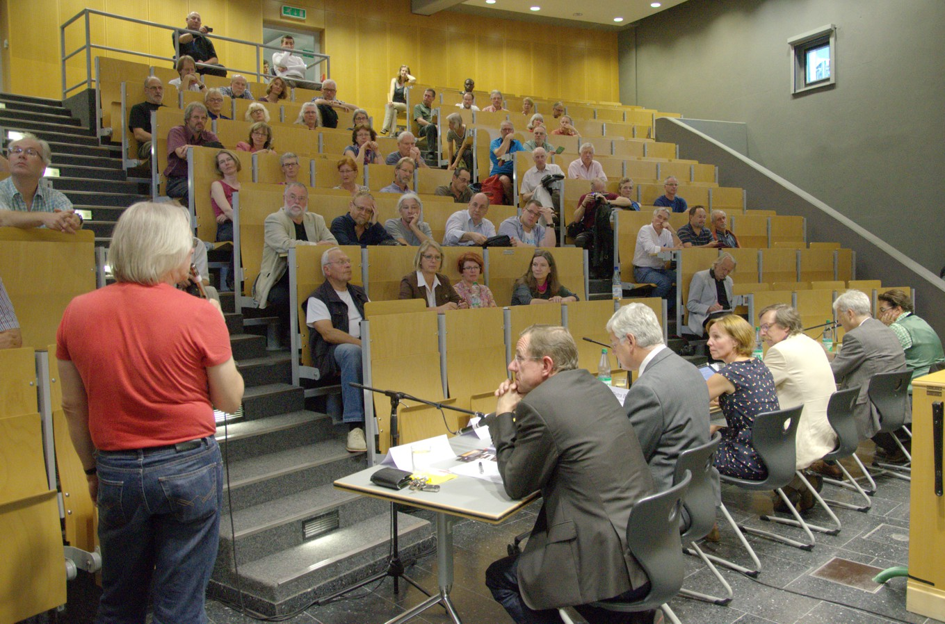 Begrüßung im Hörsaal der THM-Friedberg durch Klaus Kissel (Querstellen)