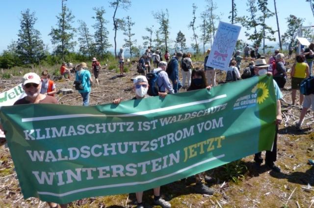 Windkraft bedeutet Klimaschutz und Waldschutz.
