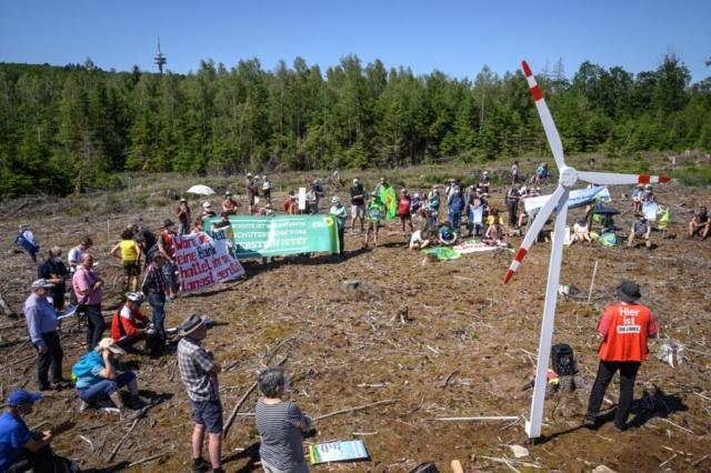 Im Bündnis Windpark Winterstein fordern 28 Organisationen der Region daher den raschen Ausbau eines leistungsfähigen Windparks.